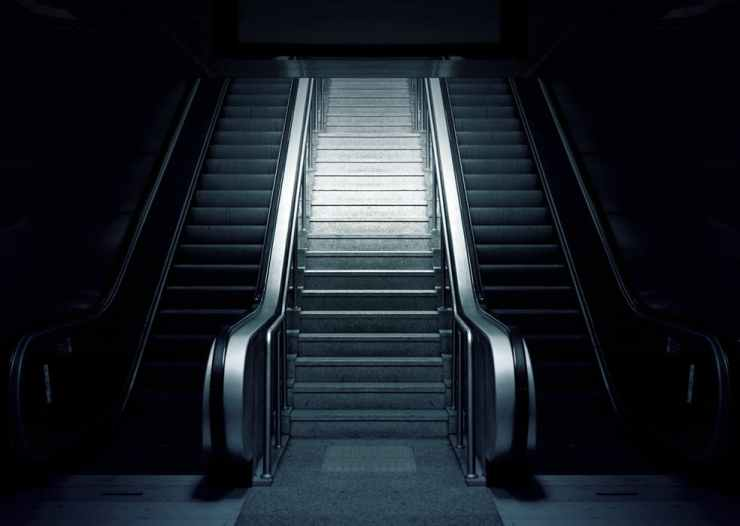 escalator-metro-stairs-subway